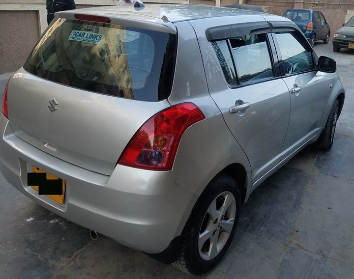 Suzuki Swift DLX Model 2012