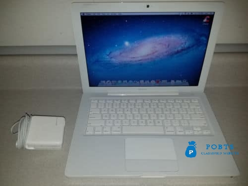 Apple MacBook In Awesome condition