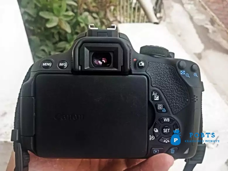 Canon 700d Brand new 10/10 Condition (like box pack) Read add please