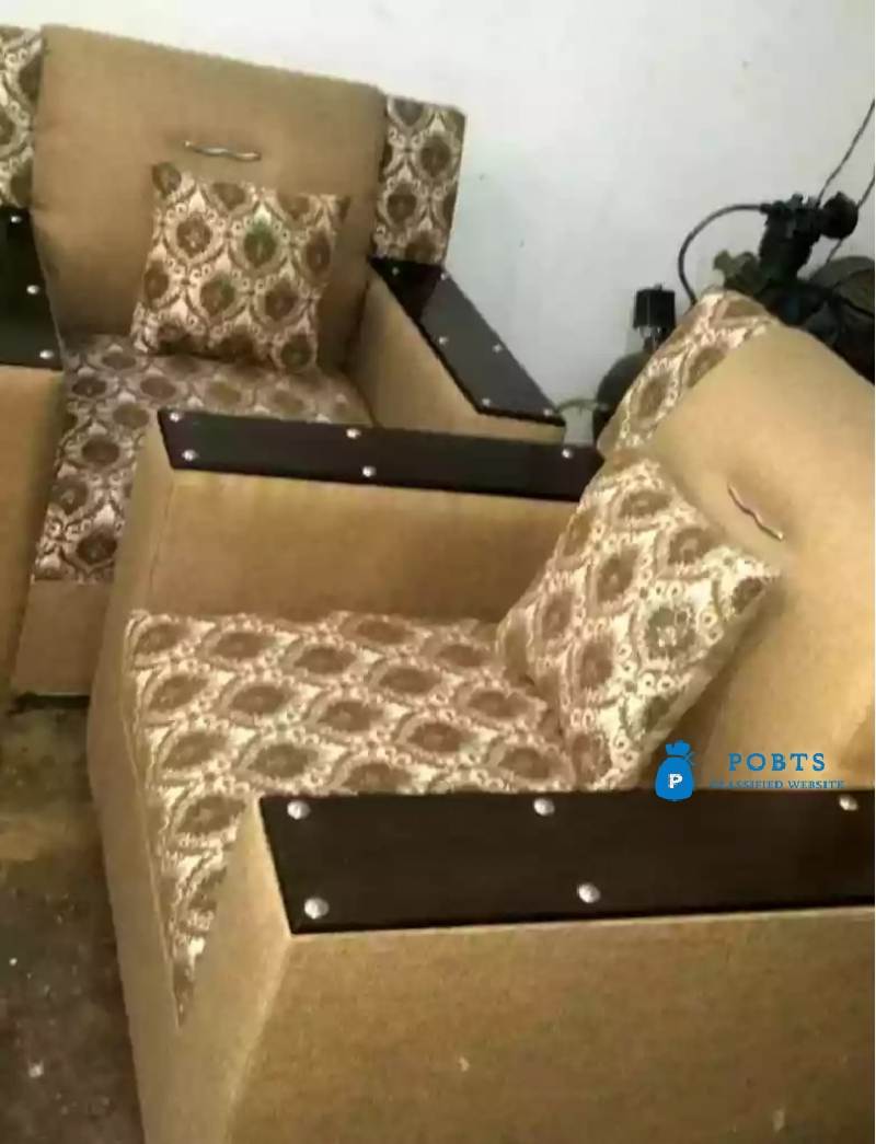 5 seater sofa set wooden arms.. imported collection