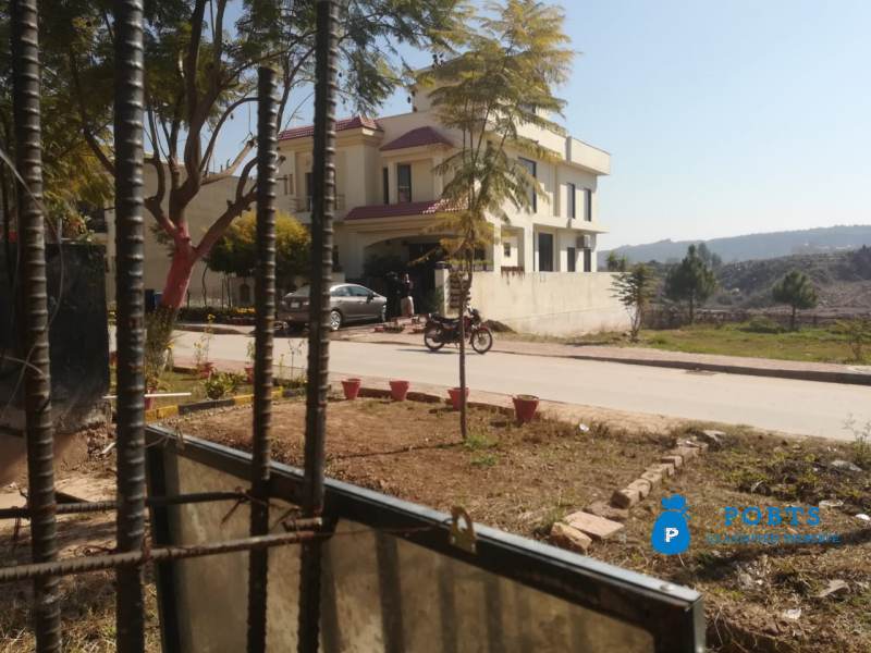 10 Marla Plot for sale in Bahria Enclave Islamabad