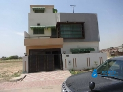 Bahria Town phase 8 5 Marla Briand new Full Farnish House For sale contact Bilal. 0336/9504211