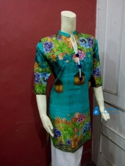 PKR 400 / Stitched Medium Size Cotton Kurti For Sale